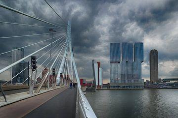 Erasmus bridge Rotterdam sur