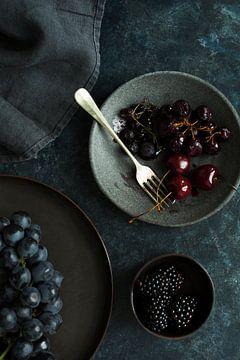 Moody fruits van Isa Blom