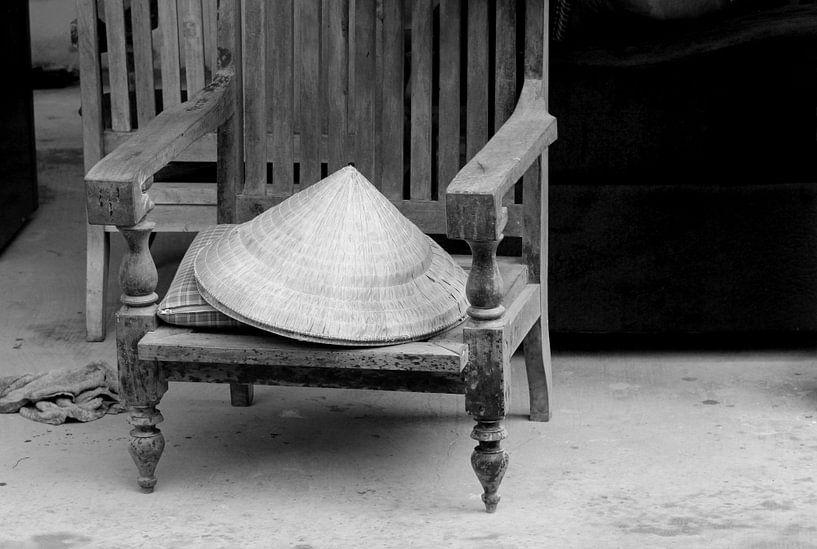 Verlaten woonkamer (Urbex) van Inge Hogenbijl