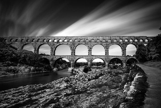Pont du Gard, Frankrijk, juli 2014  Kenmerken:  zwart-wit architectuur/monument lange sluitertijd