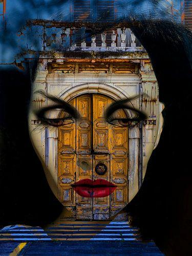 Inside the old italian door van Gabi Hampe