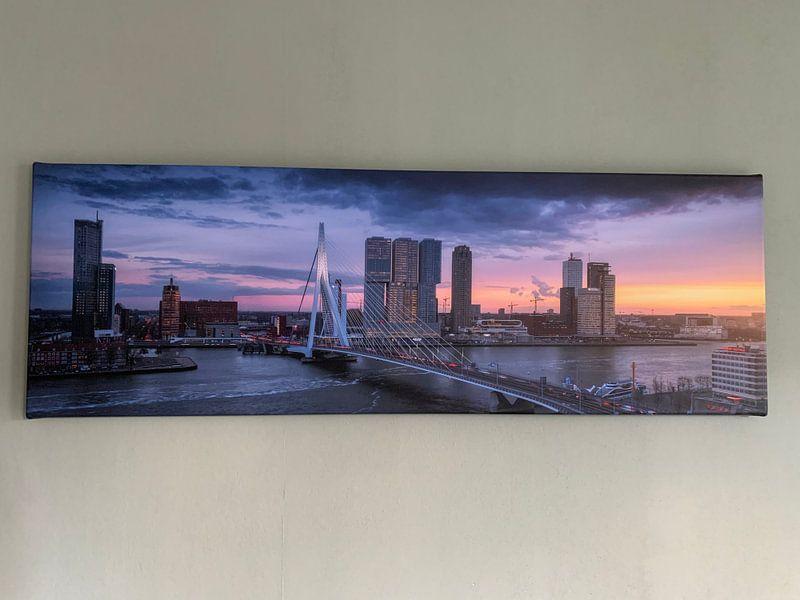Klantfoto: Spitsuur in Rotterdam - Panorama skyline zonsondergang van Vincent Fennis, op canvas