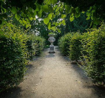 Blumenvase im Schloss Garten von Marc-Sven Kirsch