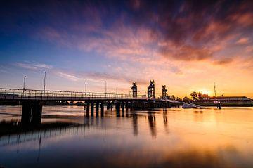 Zonsopkomst over de IJssel van Ronald Meesters