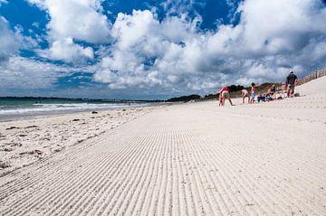 Famille sur la plage sur Richard Janssen