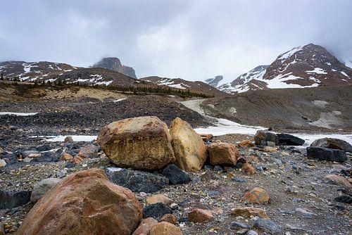Grote keien bij de Athabasca gletsjer, Canada
