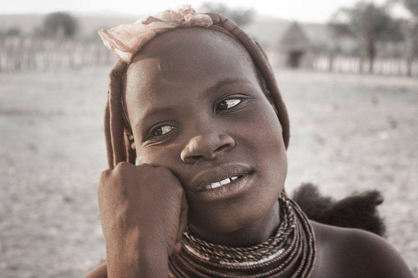 Himba Woman Portrait 1/4 van BL Photography