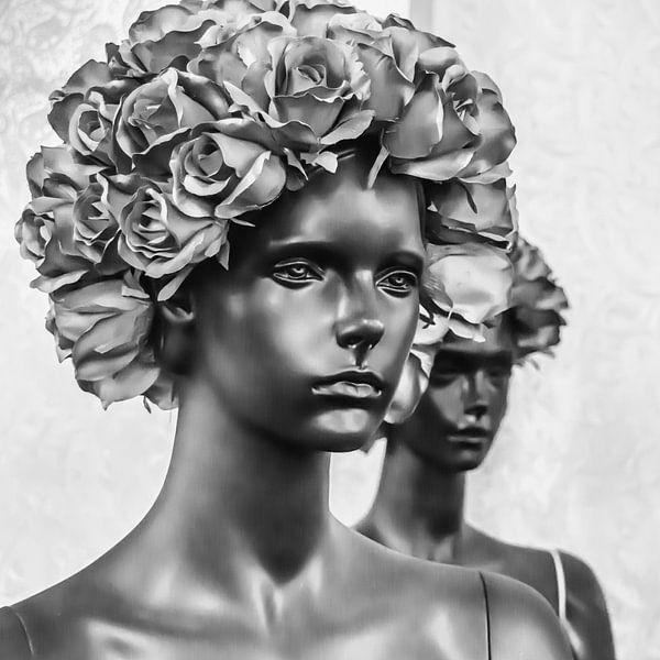 Two Women  - Salvador Dali van Maarten Leeuwis