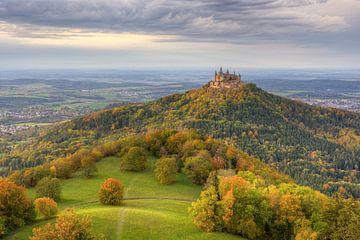 Burg Hohenzollern im Herbst von Michael Valjak