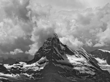 L'orage se développe au-dessus du Cervin sur Menno Boermans