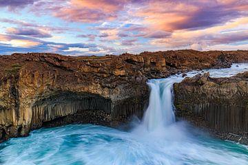 Islands Wasserfälle I von Daniela Beyer