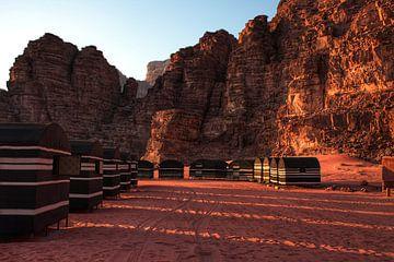 Desert camp Wadi Rum Woestijn Jordanie van Bart Schmitz