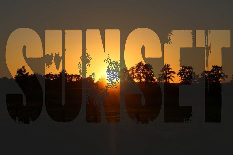 Zonsondergang met tekst sunset van Koop je Canvas