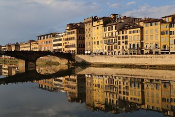 Ponte Santa Trinita brug in Florence van Jan Kranendonk