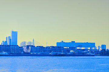 Rotterdam - Erasmusbrug en omgeving - in geel-blauwe tinten von Ineke Duijzer