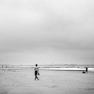Spielen am Strand von Frédéric Goetinck-Moret