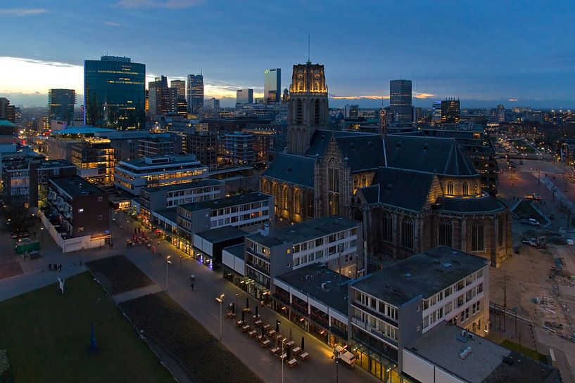 Nachtfoto Laurenskerk Rotterdam van Anton de Zeeuw