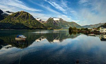 Oppstrynvatnet, Noorwegen van Adelheid Smitt