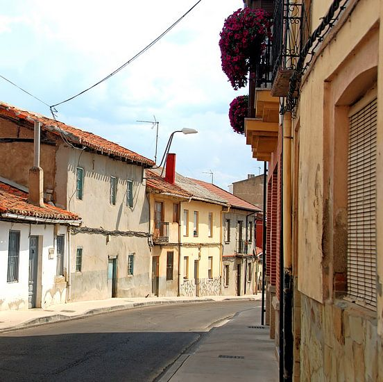 kleurrijk straatje in Spanje