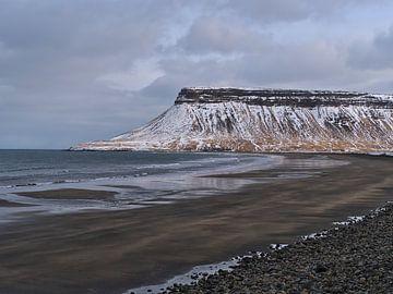 Plage volcanique sur Snæfellsnes sur Timon Schneider