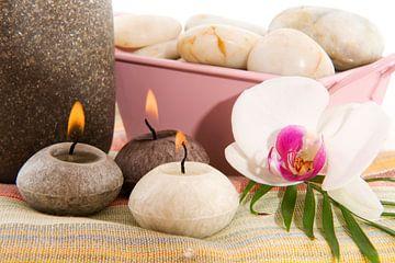 Wellness met orchidee en brandende kaarsjes van Ivonne Wierink