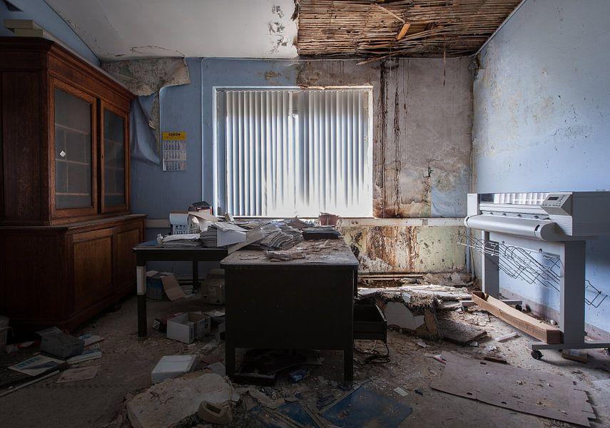 Kantoor En Meer : Vervallen kantoor van wethorse heleen op canvas behang en meer