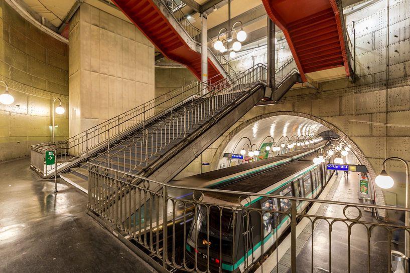 Metrostation in Parijs van Koen Henderickx
