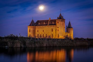 Muiderslot blue hour - Muiden sur Joris van Kesteren