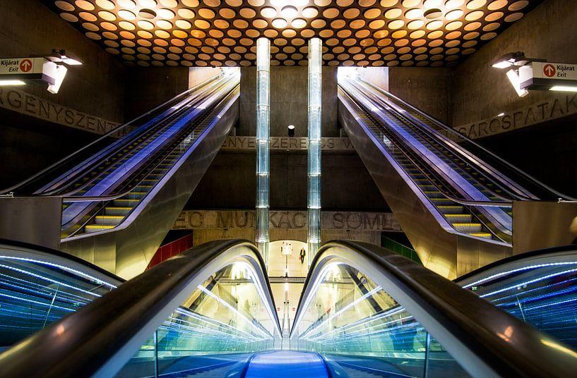Metrostation  Boedapest Rákóczi tér van Keesnan Dogger Fotografie