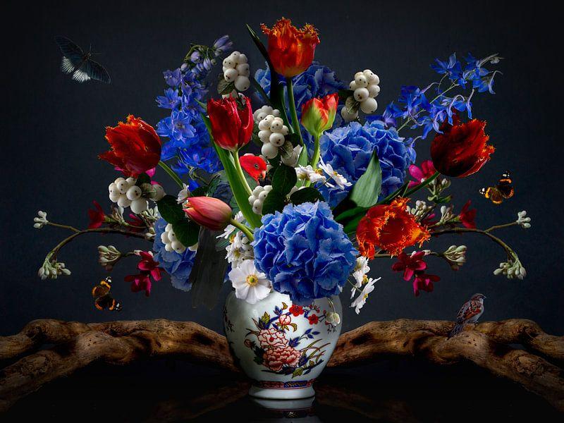 """Stillleben mit Blumen """"Royal Lotus"""" von Sander Van Laar"""
