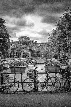 AMSTERDAM im Regen von Melanie Viola
