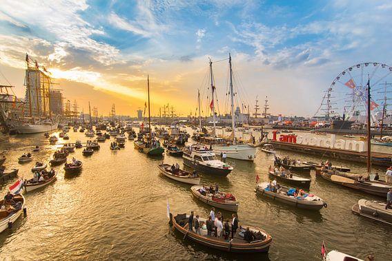 Sunset at Sail Amsterdam van Jelmer Jeuring