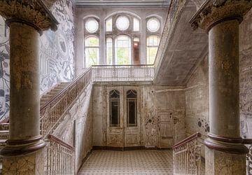 Colonnade abandonnée sur Marcel van Balken
