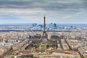 Parijs stadsgezicht met Eiffeltoren van Dennis van de Water