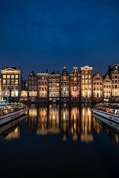 Tanzende Häuser auf dem Damrak, Amsterdam von Aldo Sanso