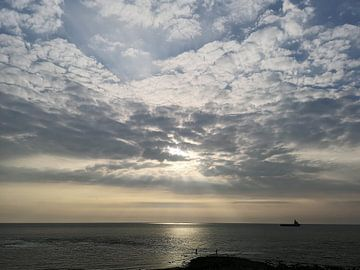 Zonsondergang Den Helder 2 van Wouter Glashouwer
