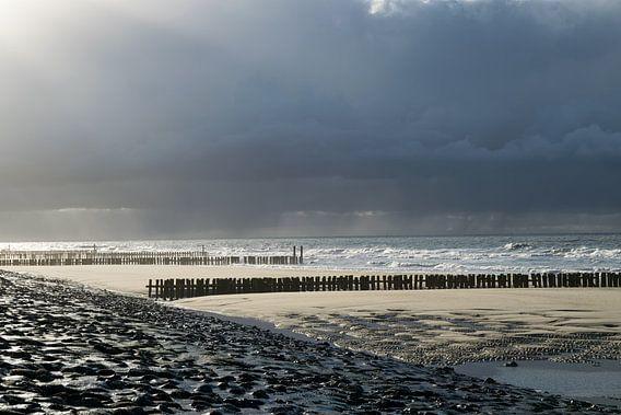 Storm bij Westkapelle van Jonathan van den Broeke