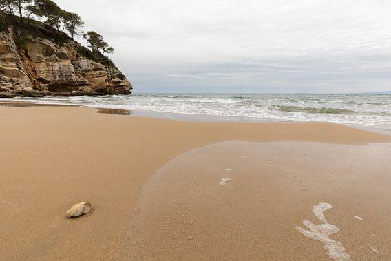 Donkere wolken over de Spaanse costa van Remco Bosshard