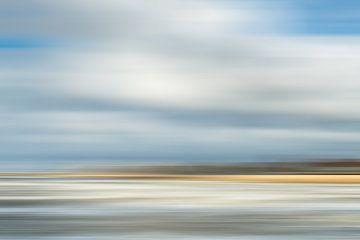 Die Scheveninger Küste vom Hafenkopf aus fotografiert. von MICHEL WETTSTEIN