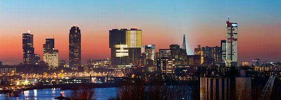 Panorama Wilhelminapier te Rotterdam van Anton de Zeeuw