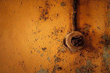 De oranje lichtschakelaar van Joris Pannemans - Loris Photography