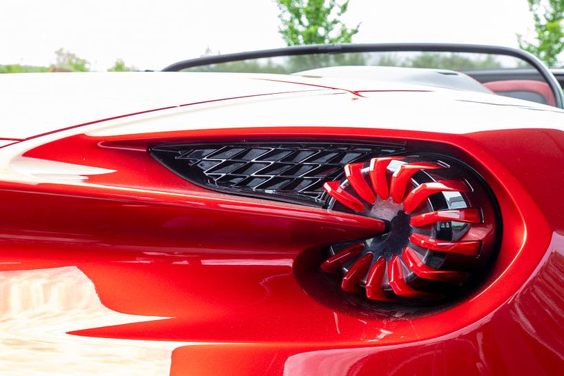 Aston Martin - Vanquish Zagato Volante van Ton Tolboom