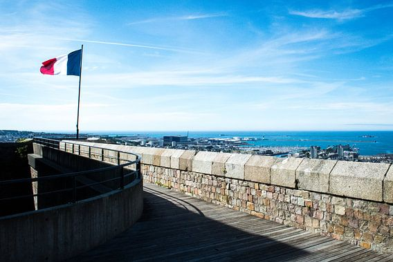De franse trots hoog boven Cherbourg van Amadeo Truzzu