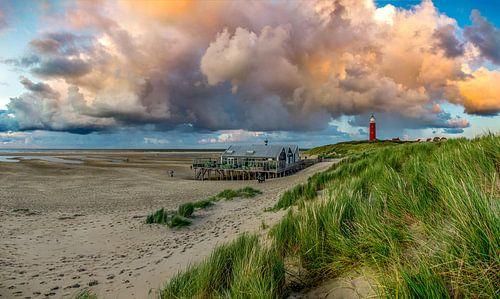 Vuurtoren Eierland Texel met prachtige wolken van