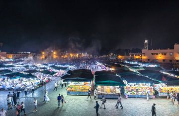 Marrakesch-Platz am Abend (Marokko) von Marcel Kerdijk