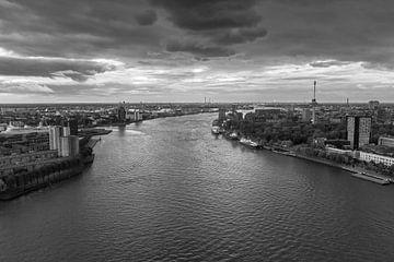 Rotterdam zonsondergang in zwartwit