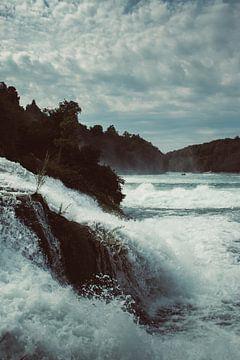 De Rheinfall, de breedste waterval van Europa van Veri Gutte