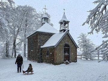 Chapelle Fischbach in de sneeuw van Easycopters