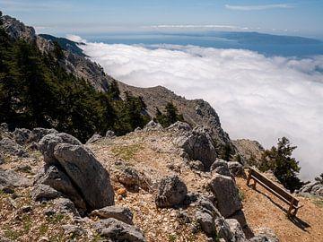 Boven op de Ainos berg op Kefalonia van Charlotte Dirkse