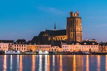 Zicht op de Grote Kerk, Dordrecht van Duane Wemmers